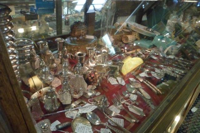 Elegant Endeavors Antique Shop in Panama City, Florida