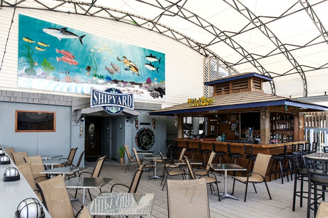Waterside dining at the Shipyard Grill restaurant in Panama City